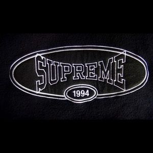 Supreme Hooded Sweater ss18